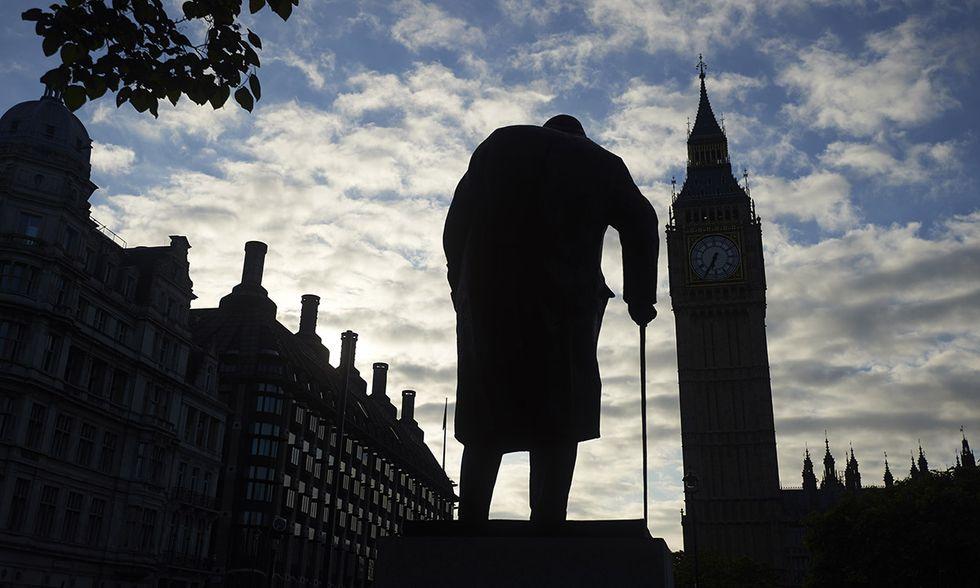Brexit: statua di Churchill a Londra