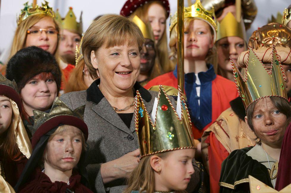 Angela Merkel dice no a Twitter e alla mania del cinguettio