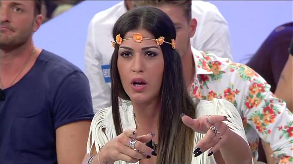 Adriana Peluso è la corteggiatrice che sta animando le prime puntate del trono classico