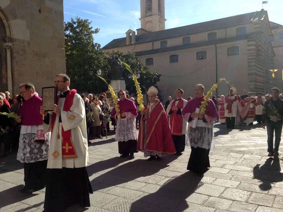 Albenga, ammanco milionario alla Caritas. Vescovo ascoltato in Procura