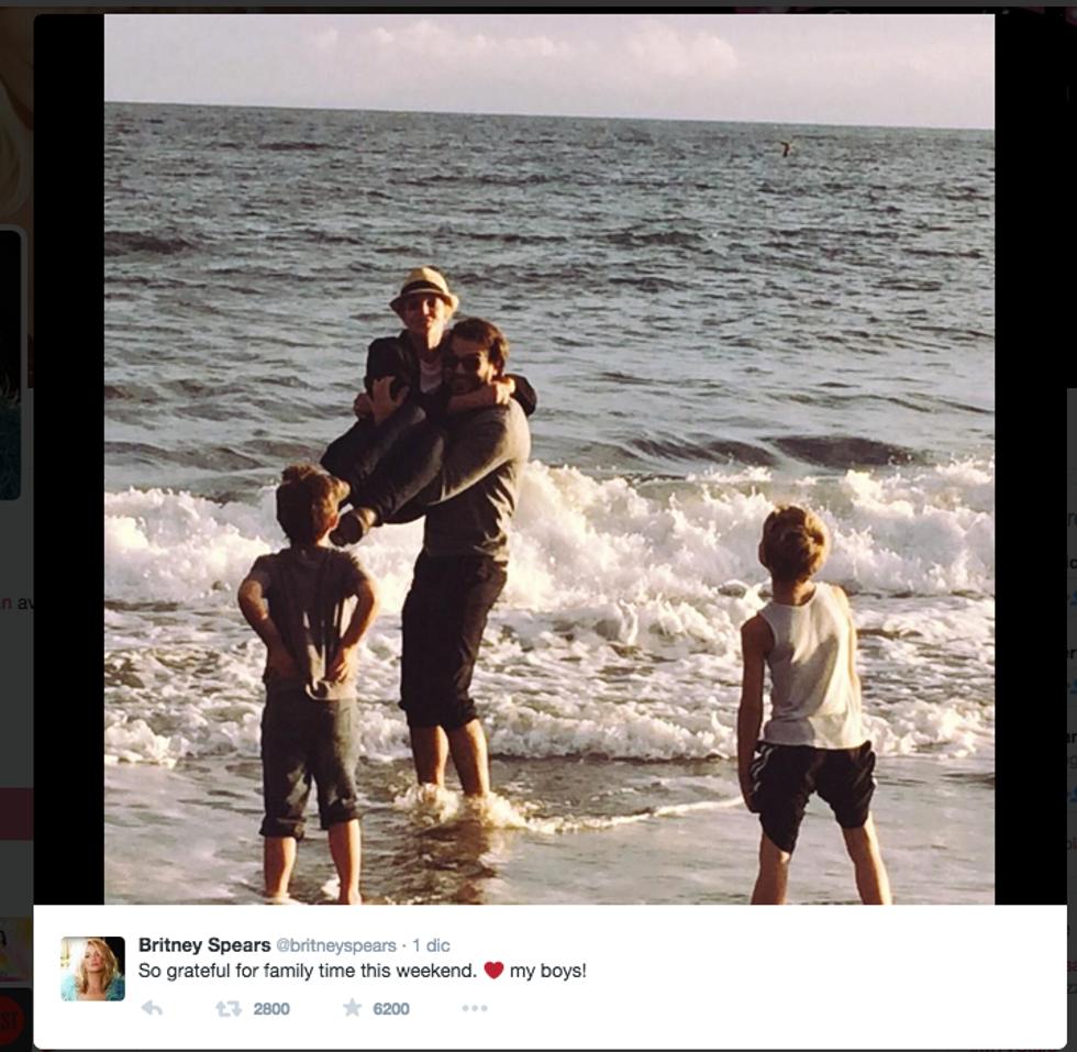 Britney Spears, compleanno al mare con Charlie Ebersol