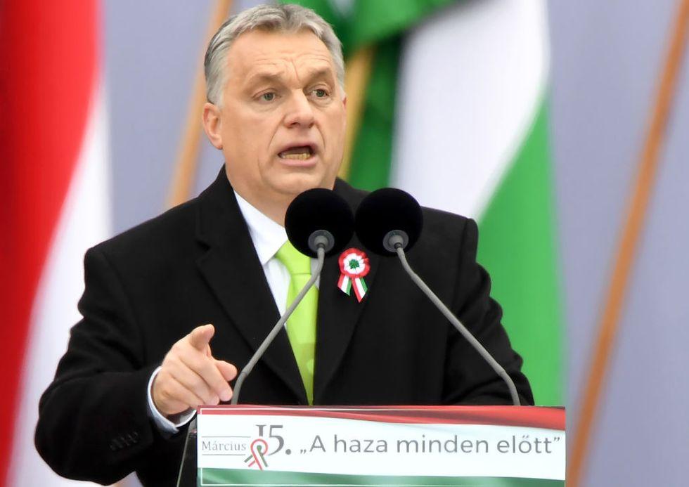 L'Ungheria chiude le porte ai migranti: ecco come