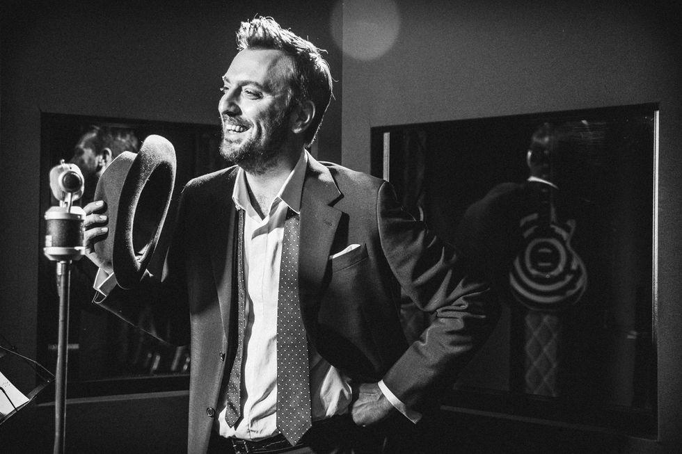 Cesare Cremonini: esce il 7 dicembre Possibili scenari per pianoforte e voce