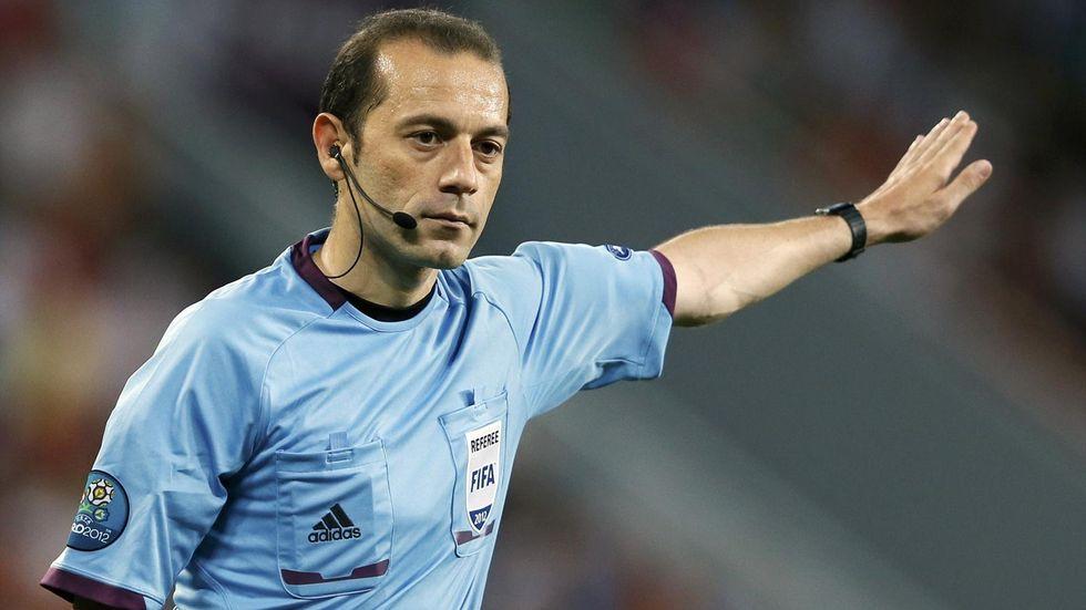 Chi è il turco Cuneyt Cakir, l'arbitro di Juventus - Barcellona