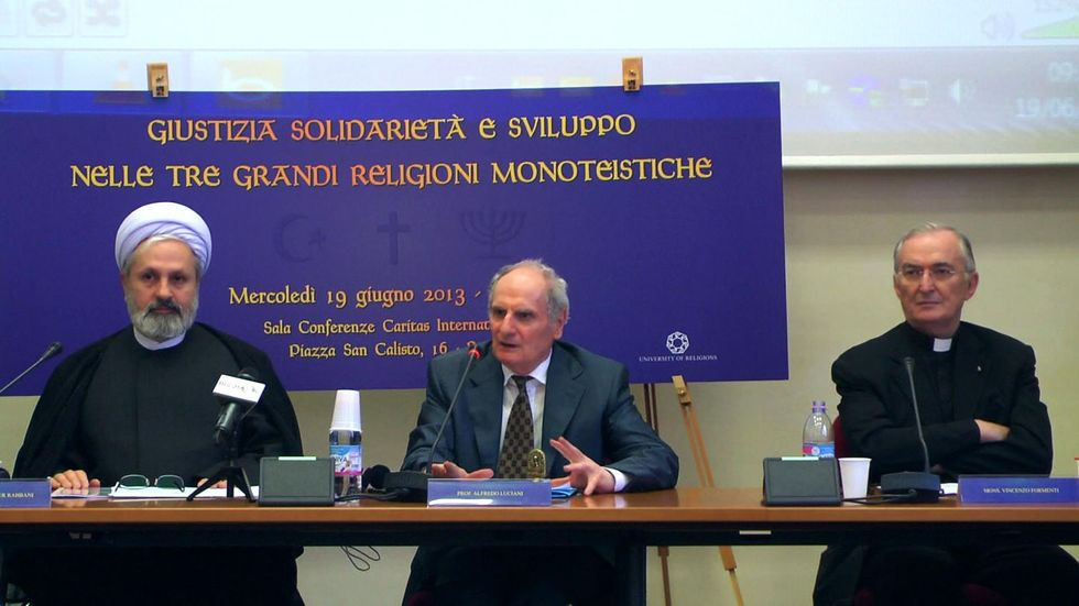 Prove di dialogo tra Santa Sede e Iran. Appuntamento a Teheran nel 2014