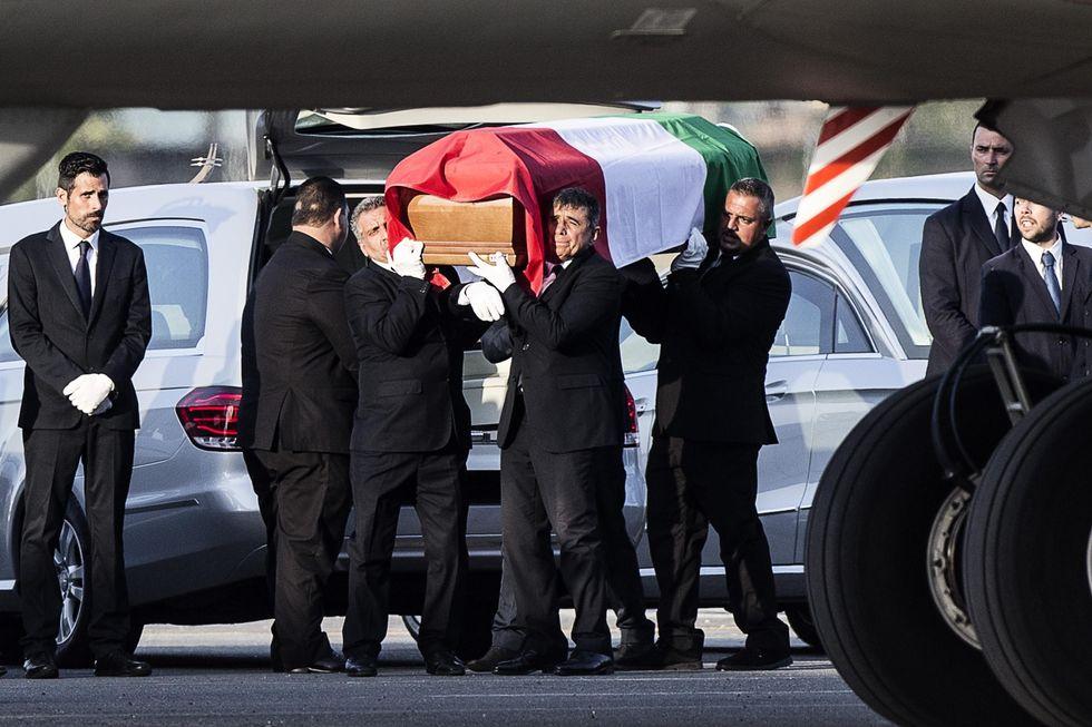 dacca: salme vittime italiane arrivate ciampino