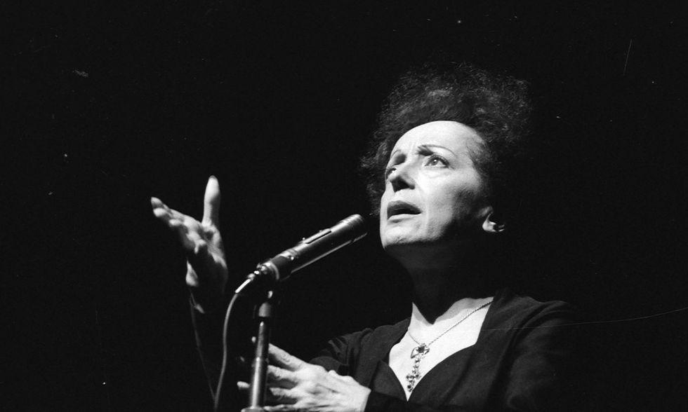 Edith Piaf avrebbe 100 anni: le 10 cose da sapere
