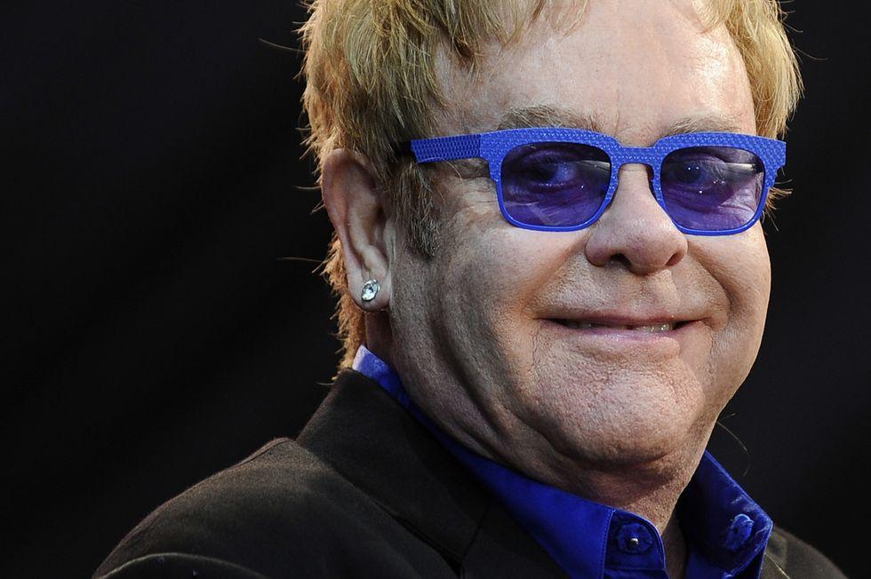 """Elton John, i cantanti che escono dai talent show sono delle """"nullità"""""""
