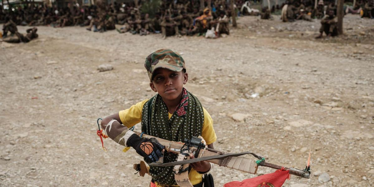 etiopia bambino soldato