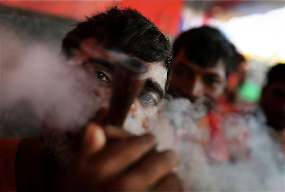 #foto: fumo sacro e altre storie dal mondo