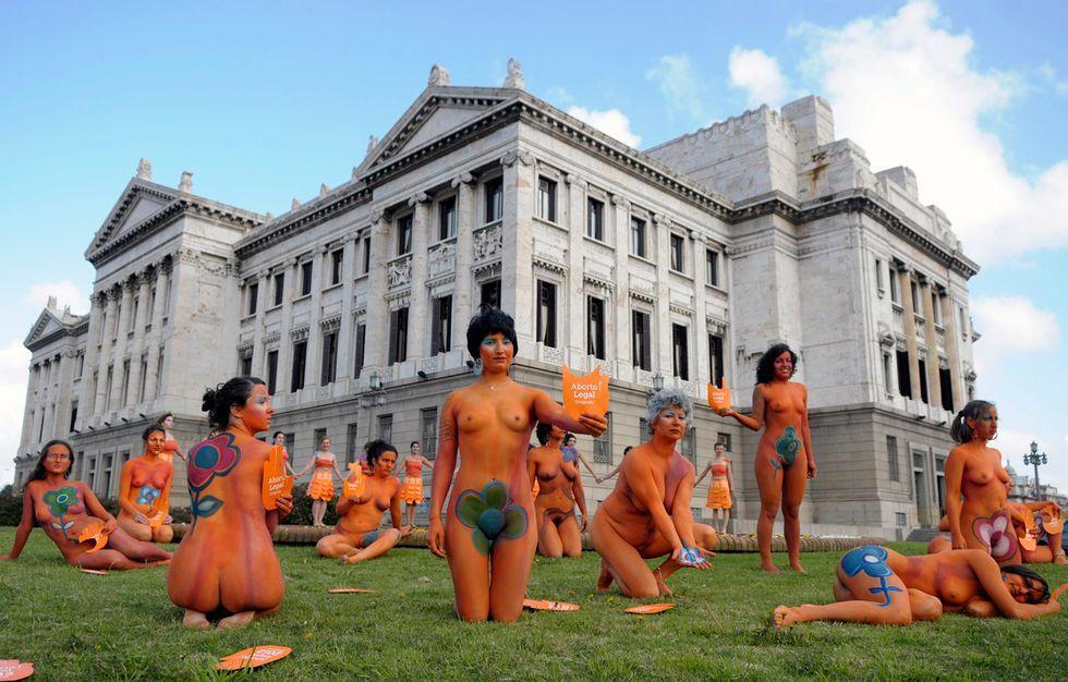 Nude per l'aborto legale, in Paraguay