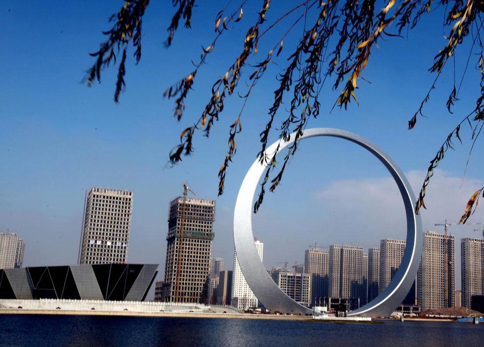 'L'anello della vita' a Fushun, Cina: bello e inutile?