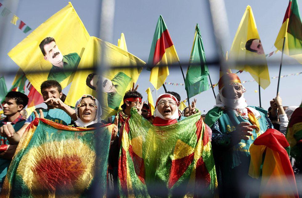 La Turchia bombarda le postazioni del Pkk in Iraq