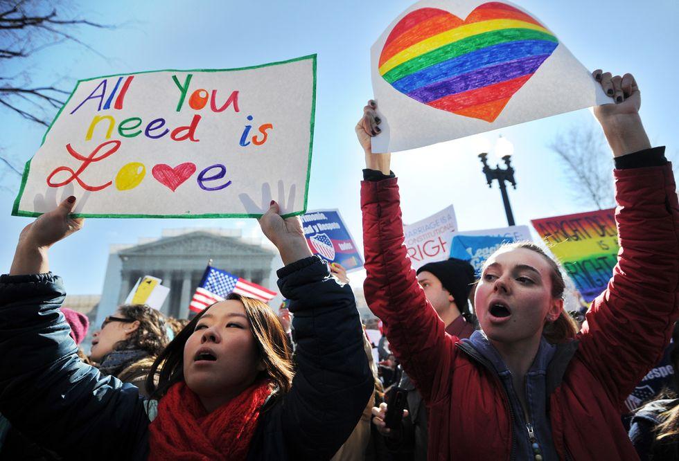 """Nozze gay: per il Vaticano il sì irlandese è """"una sconfitta per l'umanità"""""""