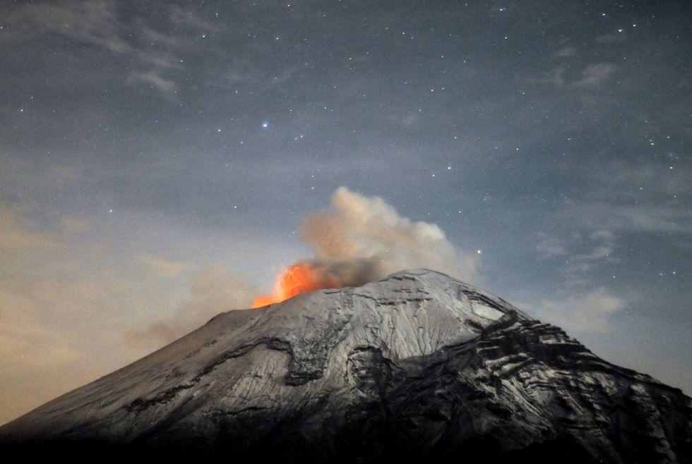 Il vulcano Popocatepetl in attività e altre foto del giorno, 21.5.13