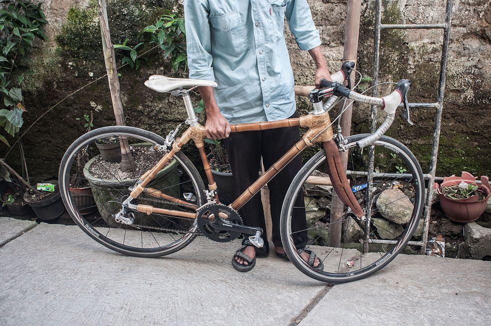 Bici in bambù: un'officina fai da te in Indonesia