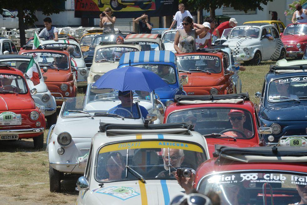 Il raduno delle Fiat 500 storiche a Garlenda