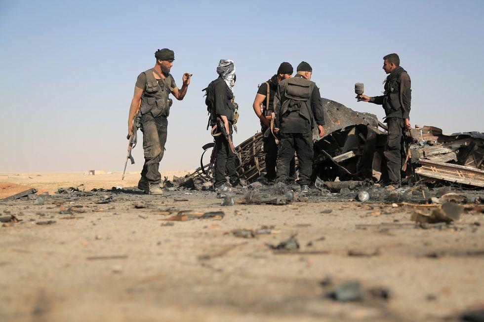 Attacco kamikaze al confine Siria-Turchia, 10 morti