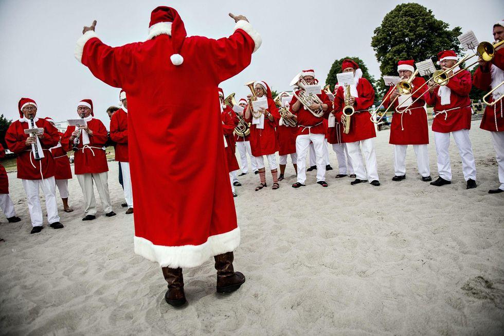 Il Congresso mondiale dei Babbi Natale a Copenhagen