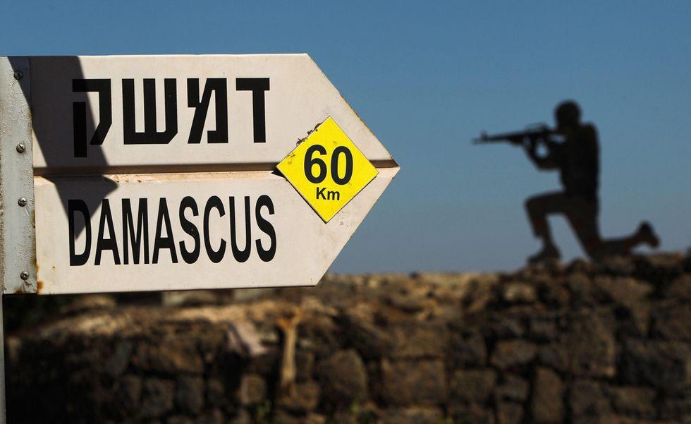 Allerta militare in Israele e altre foto del giorno, 29.8.13