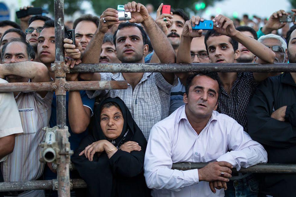 """""""Spettatori della morte"""" in Iran: le foto di Ebrahim Noroozi"""