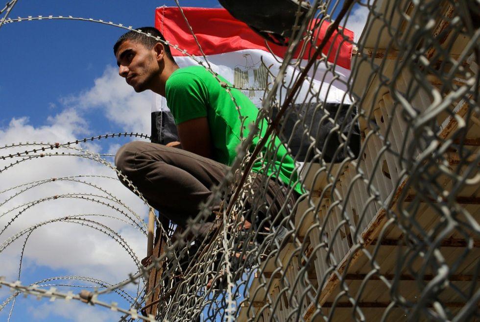 Gaza: scene di tensione al confine con il Sinai egiziano