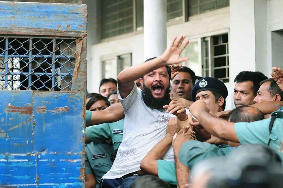 152 condanne a morte in Bangladesh e altre foto del giorno, 5.11.2013