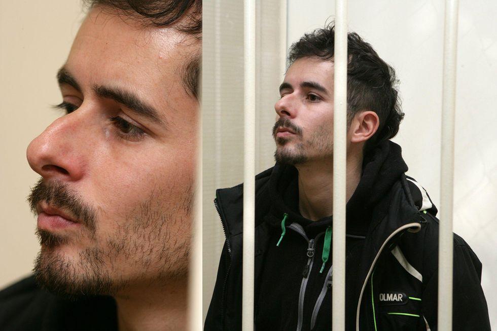 L'italiano di Greenpeace libero su cauzione a Mosca e altre foto del giorno, 19.11.2013