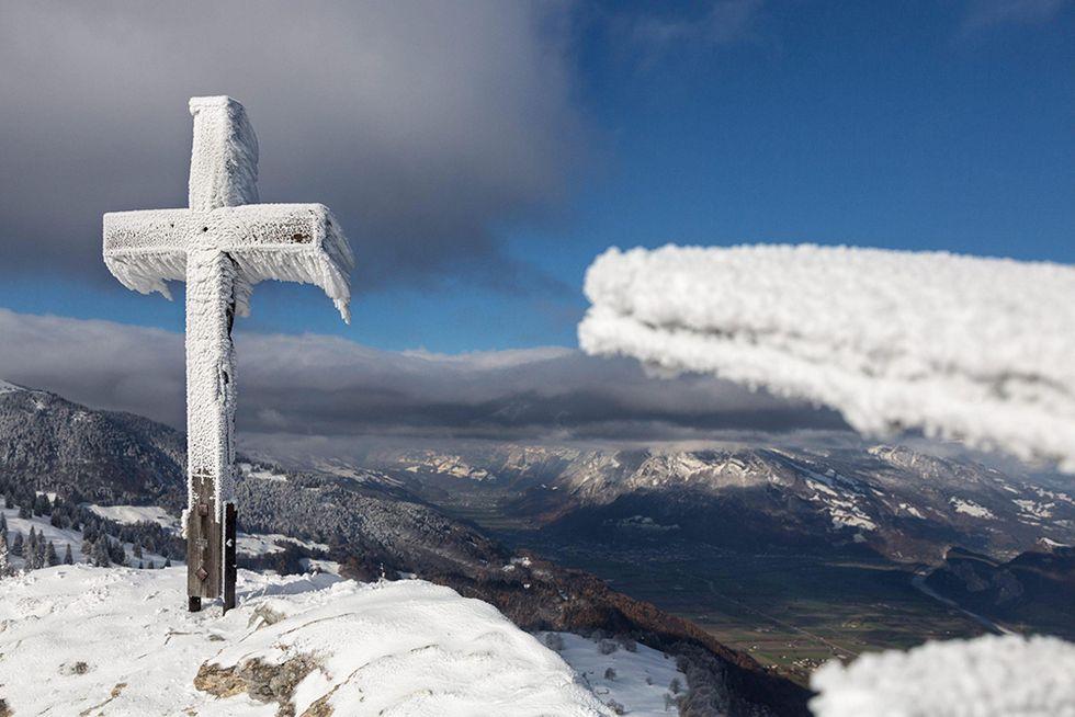 La neve sul monte Pizalun e altre foto del giorno, 25.11.2013