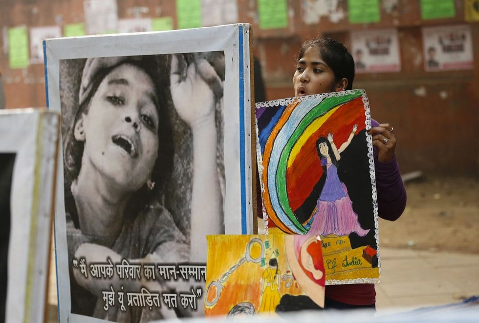 Ritratti di donne indiane tra modernità e tradizione