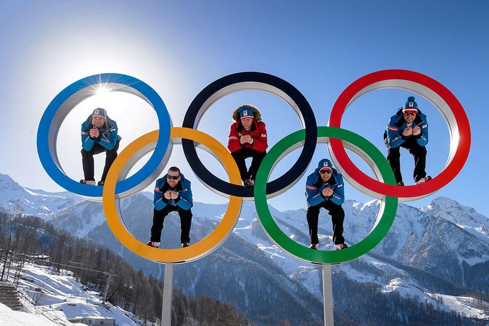 Conto alla rovescia per le Olimpiadi e altre foto del giorno, 4.2.2014