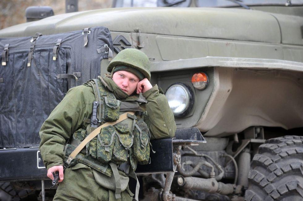 Guerre nel mondo: Crimea, militari ucraini circondati dai russi