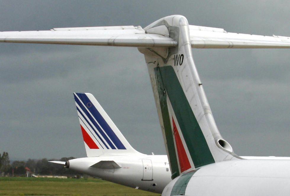 Alitalia's investor are considering possible sale