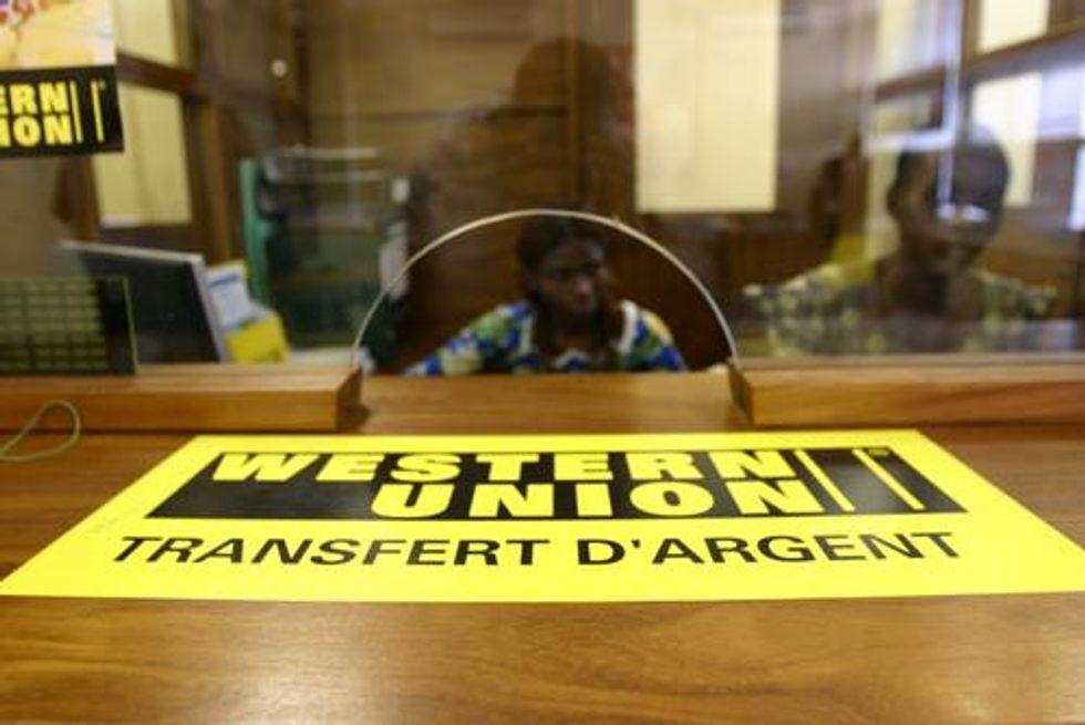 Western Union: meno soldi alle famiglie d'origine, è crisi anche per gli immigrati in Italia