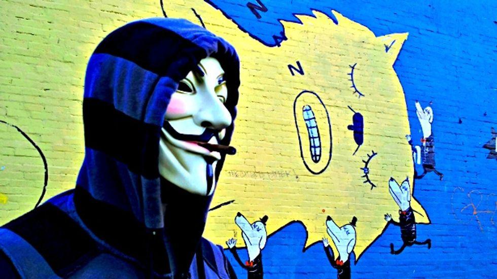 Dentro il mondo di Anonymous con Parmy Olson