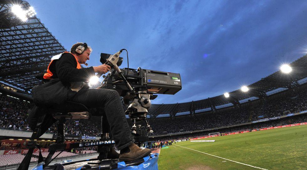 Partite di calcio e giornali gratis sul Web? Per la magistratura sono da oscurare