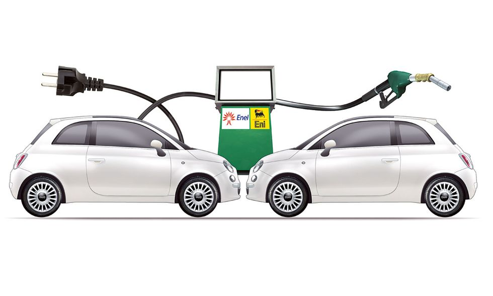 Auto elettriche: fermati dal benzinaio per fare il pieno di elettricità