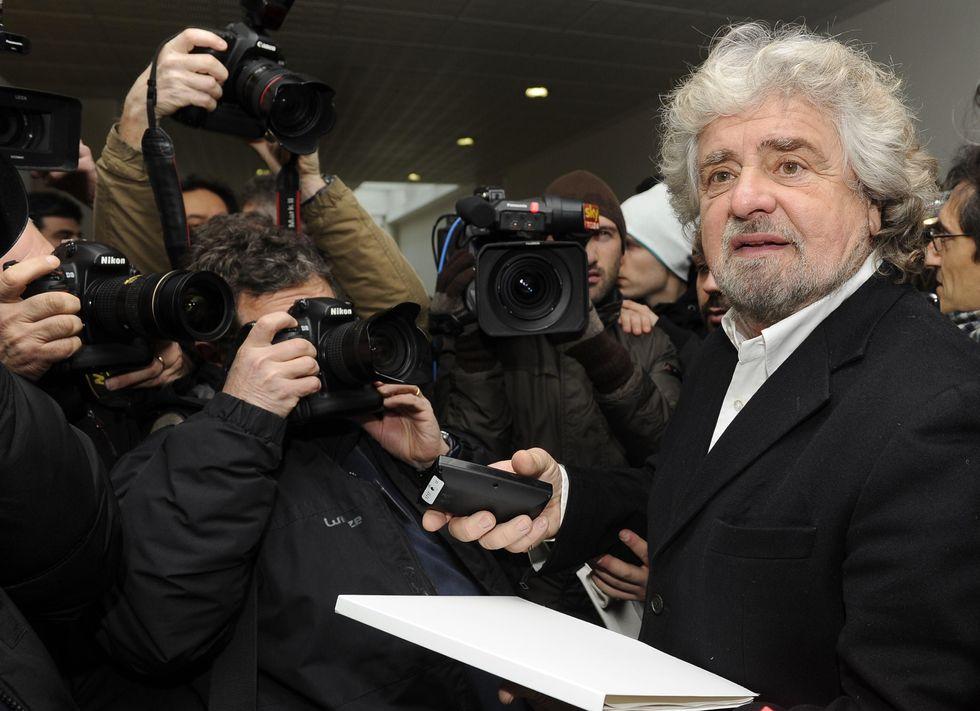 Mps, il discorso di Grillo e il 'buco da 14 miliardi di euro'