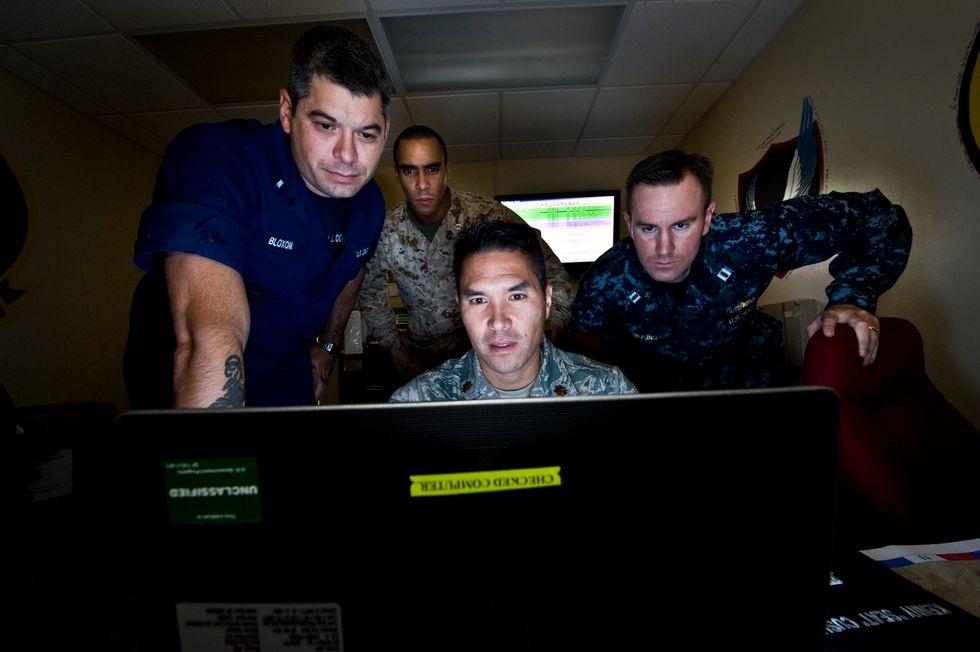 Cyberwar: il Pentagono addestra i militari e l'Italia non sta a guardare