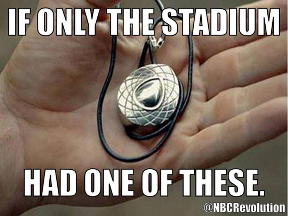 C'è un blackout al Super Bowl! Mettete Revolution!