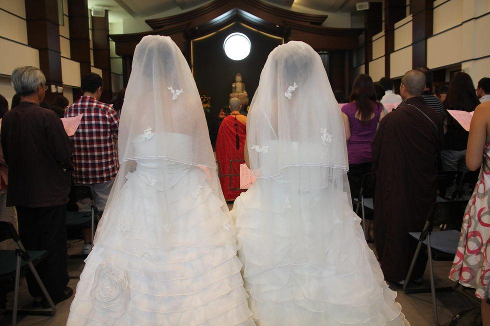 """Il Parlamento Ue all'Italia: """"Riconosca le nozze gay"""""""