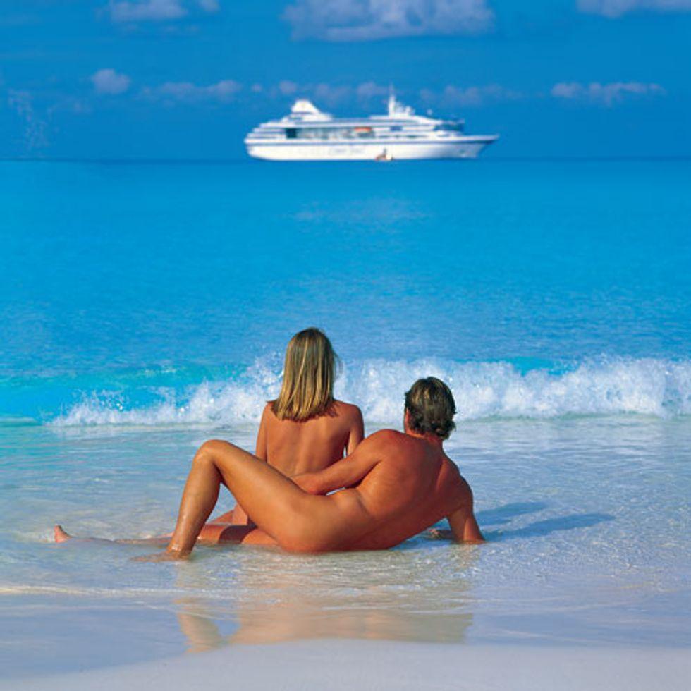 Nude Boat: quando si dice viaggiare leggeri