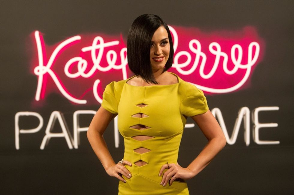 X Factor Usa. Ora Cowell corteggia Katy Perry