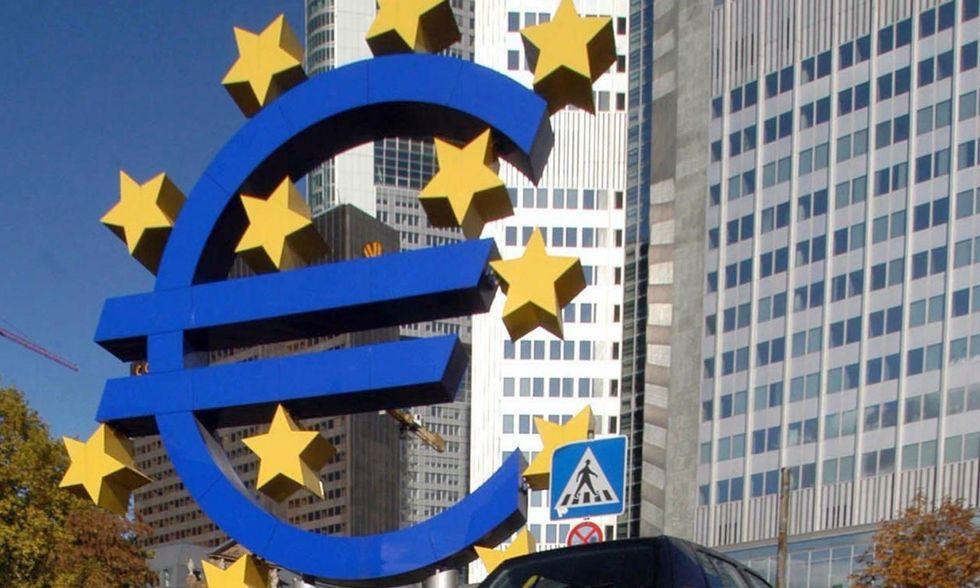 Crisi dell'euro: produrre di più per guadagnare di meno