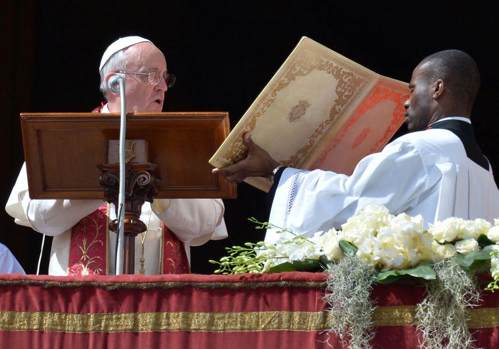 La classifica dei libri più venduti: il Papa batte tutti (4/4/2013)