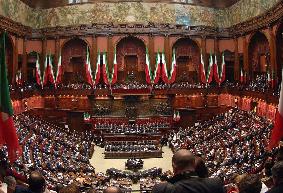 La Camera dice ok al tetto degli stipendi