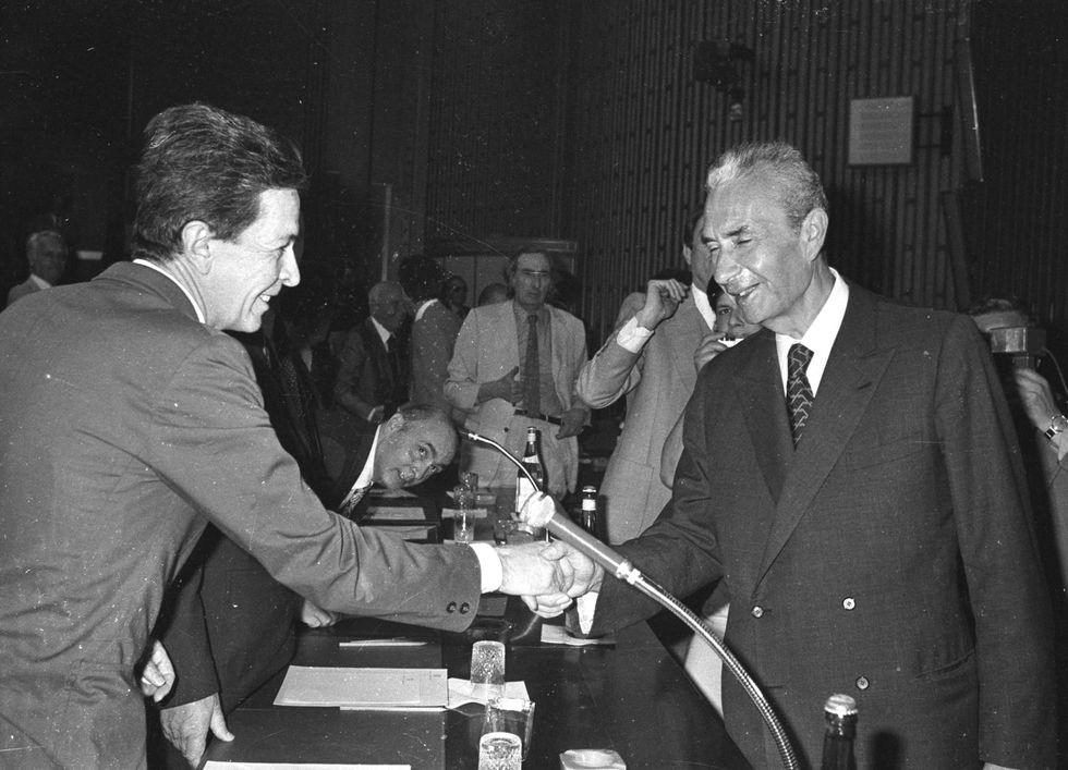 Gli storici incontri tra i leader di maggioranza e opposizione