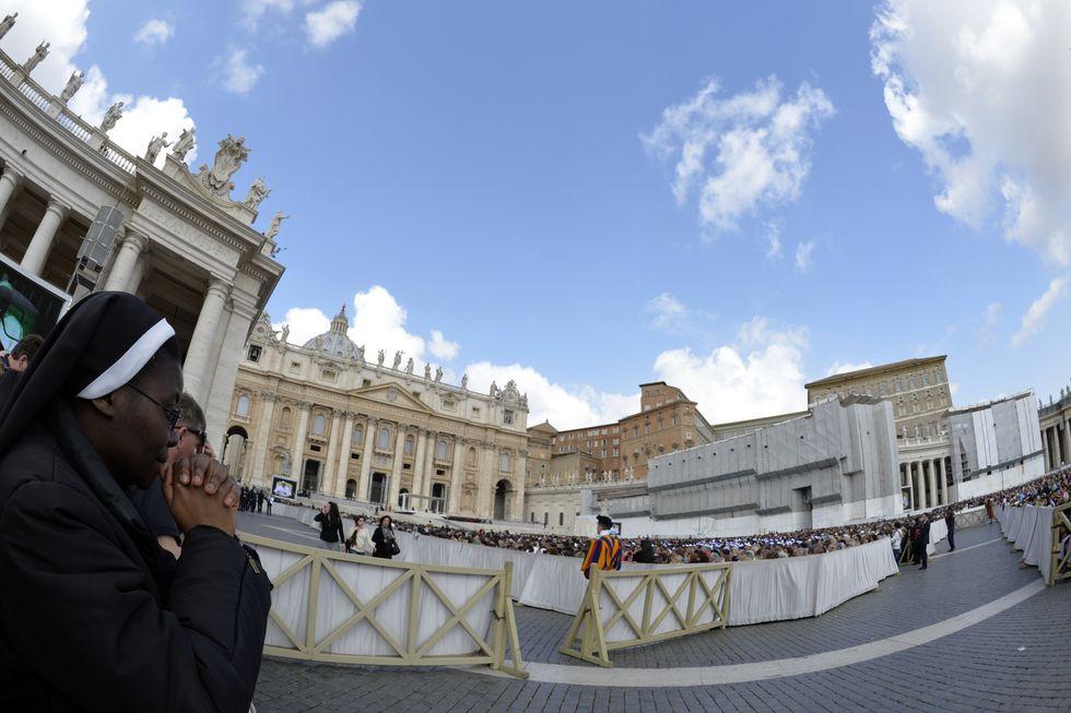 """La """"bufala"""" del film porno in Vaticano"""