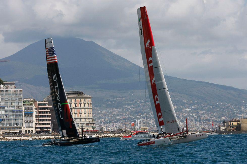 Napoli e la vela. Un amore oltre l'America's Cup