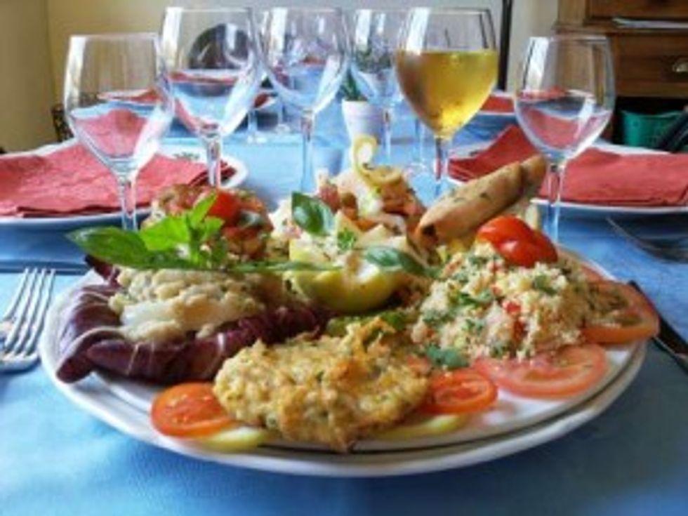 Vino e pesce: via dai luoghi comuni